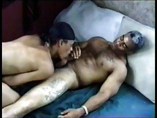 schwarzer Papa und sein Junge