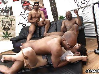 drei schwarze Männer zerstören die asiatische Schlampen Pussy