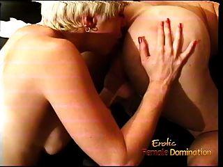 busty blonde harlot macht ein dude cum und swaps jizz mit ihm