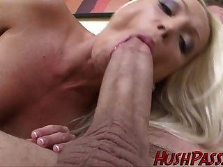 heiße sexy blonde mom braucht etwas big whitezilla dick