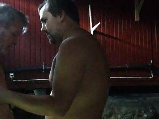 Mein Liebhaber saugen meinen Schwanz und isst mein Sperma