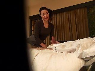 subtitled japanische milf massage therapeut Verführung in hd
