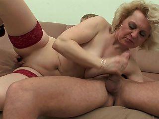 gewöhnliche Mama 6