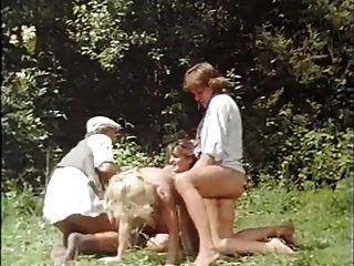 das lustschloss der josefine mutzenbacher (1986)