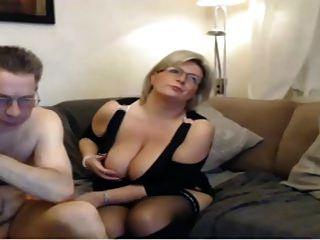 reife Mama haben eine Webcam Sex mit großen perfekten Titten