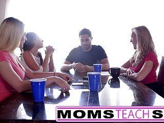 momsteachsex heiße Mama \u0026 Teen Freunde Orgie ficken mit Nachbarn