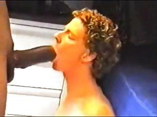 Riesenschwanz fucks Junge
