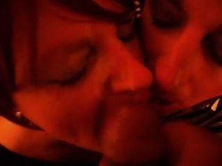 tgirls mandy und lisa nehmen eine Gesichts- und Swap-Sperma