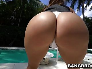 big ass julianna vega gefickt am Pool