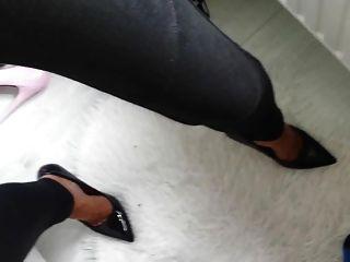 Sperma in Schuhe Fersen