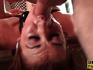 redhead britisch sub arschfick und gebunden