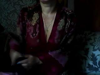 heiße russische reife mama elena spielen auf skype