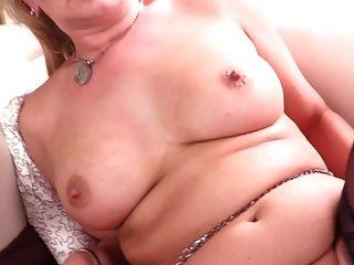 sexy Amateur reife Mutter braucht einen guten Fick