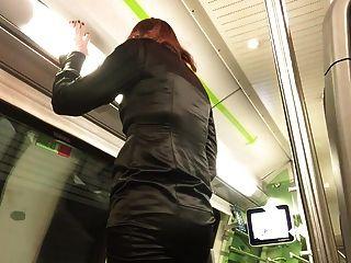 süße Ejakulation im Zug