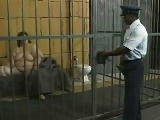 gefickt ssbbw im Gefängnis