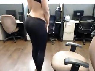 indian desi heiße Mädchen Streifen im Büro nri Striptease
