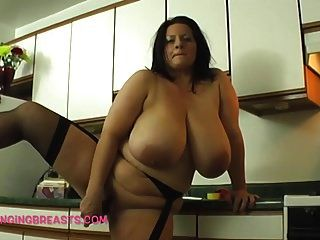 größte Titten je in einer Küche in Ihrer Nähe