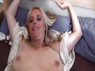 blonde deutsche MILF fickt auf hausgemachte
