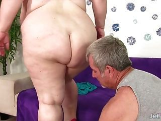 big boobed bbw dame lynn nimmt fetten schwanz