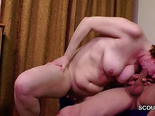 Papa verführen behaarte Mutter zum ersten Mal anal zu ficken