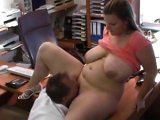 dicke deutsche Pawg im Büro gefickt