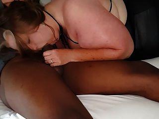 Frau liebt Schwanz zu lutschen, BBC junge Stud im Motel