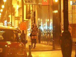 echte Prostituierte in der Straße Pute dans la rue