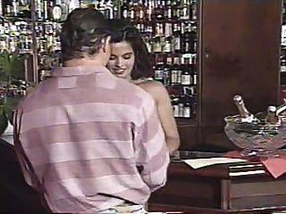 Gruppensex Szene von Bar Job (1995) mit Angelica Bella