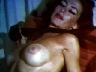 thundertits vintage reife dicke brüste striptease strümpfe