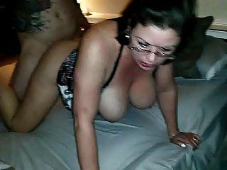 heiße Frau von einem Freund gefickt