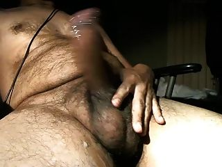 heißer geiler großer ungeschnittener Schwanz Latino Bär
