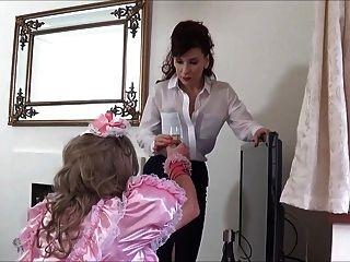 madame c schwanz schlägt pink sissy angeliica