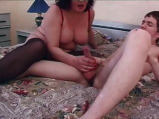 alte \u0026 junge schmutzige Mutter Sex mit kleinen Jungen