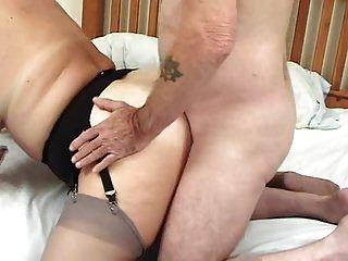 fetten Arsch britischen reifen und 2 fucks, die gerne ficken