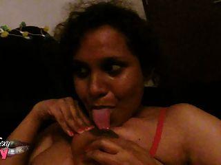 indische Babe Lilie haarige Pussy mit Blowjob gefickt