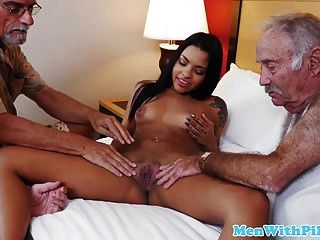 Teen dickriding reverseecowgirl mit Oldies