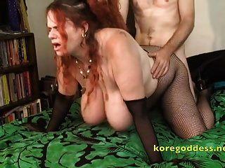 rothaarige kore die riesigen titten anal schlampe