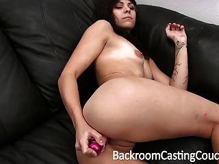 sexy Teen Rebell Arsch auf Casting Couch gefickt