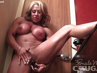 heiße Bodybuilder große Klitoris