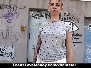 teenslovemoney verzweifelten Teen fucks für Geld