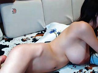 toller Körper mit schönen Titten und großen Brustwarzen
