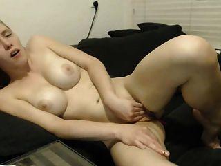 Cam Girl Masturbation und Orgasmus 1