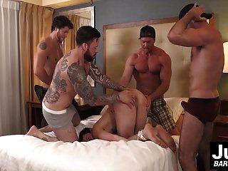 Gruppe von Hot Muscle Jungs Pflug hart gefesselt Jungs Arschloch