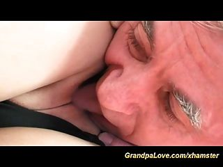 sexy Teenager liebt alten Mann