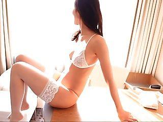 risa weißen Dessous Oberschenkel hohe Strumpfhosen (nicht nackt)