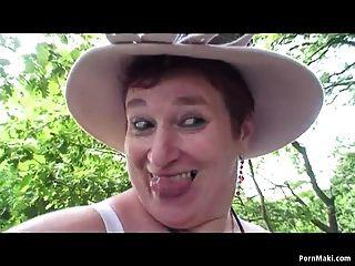 bbw Oma Spaß im Wald