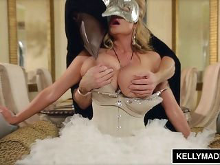 kelly madison maskerade sexcapade