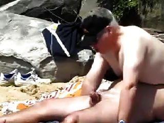 Homosexuell fette ältere Männer ficken am Strand