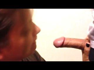 Ex Freundin liebt Schwanz zu saugen und cum2 schlucken