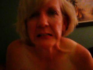 Oma mag schwarzen Schwanz